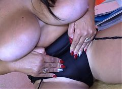 Mature SuperMOM Lulu needs a good sex