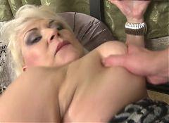HOT mature mom seduce lucky boy