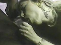 Moana Pozzi DP with black men in Le Donne di Mandingo (1990)