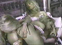 Moana Pozzi in sixsome orgy - Le Donne di Mandingo (1990)