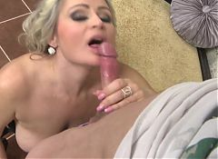 Sexy mom with saggy tits gets taboo sex