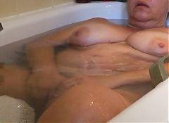 voyeur spycam unaware MILF in the bath