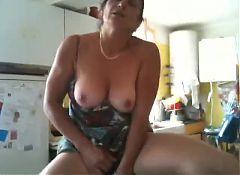 Masturbacja z ogorkiem na cam 2
