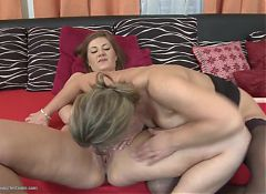 Sexy mature mom and daughter use double dildo