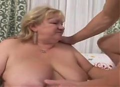 Blonde BBW Granny Squirting