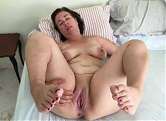 Mature milf pregnant mom