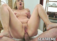 Lusty granny Jennyfer takes rock hard dick in her asshole