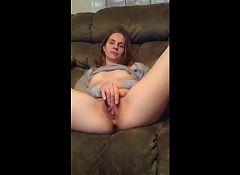 31 yo slut wife fingering her cunt