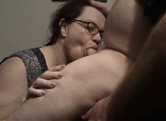 Sexy MILF Drains The Plumber's Pipes